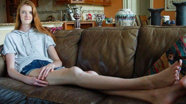 Маки Каррин - девушка с самыми длинными ногами в мире