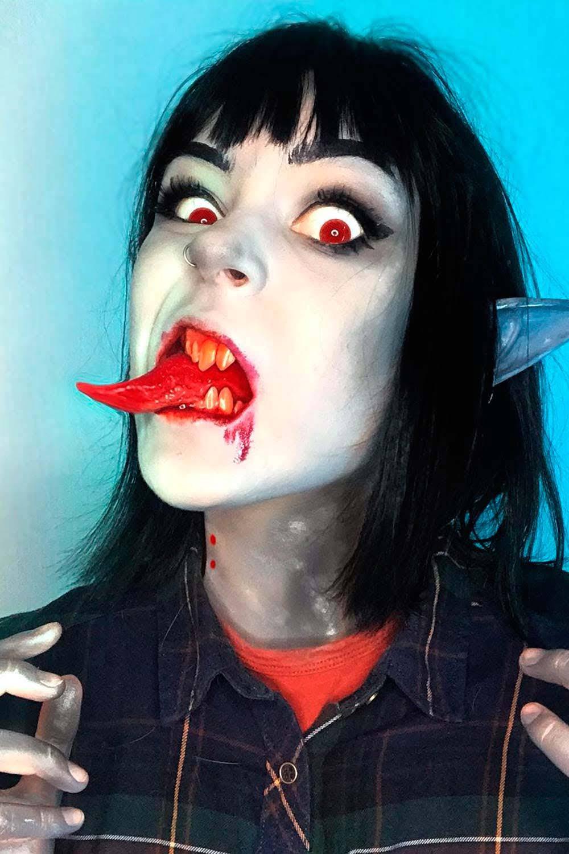 Макияж или грим, чтобы напугать друзей своим внешним видом на Хэллоуин