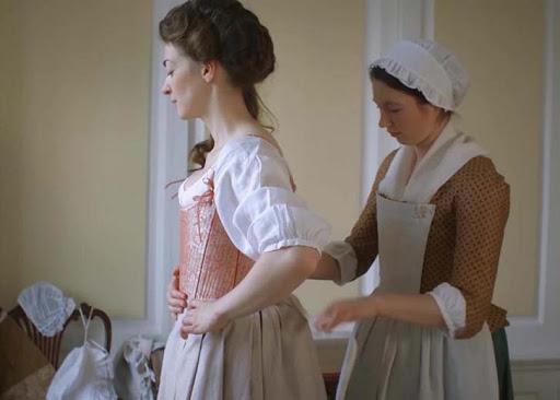 Почему мужскую и женскую одежду застегивают на разные стороны