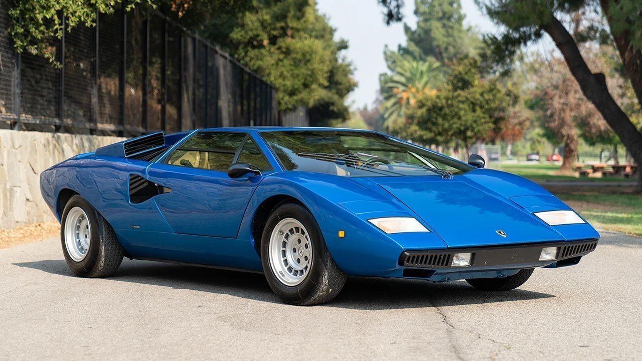 Редкий Lamborghini с перископом на крыше