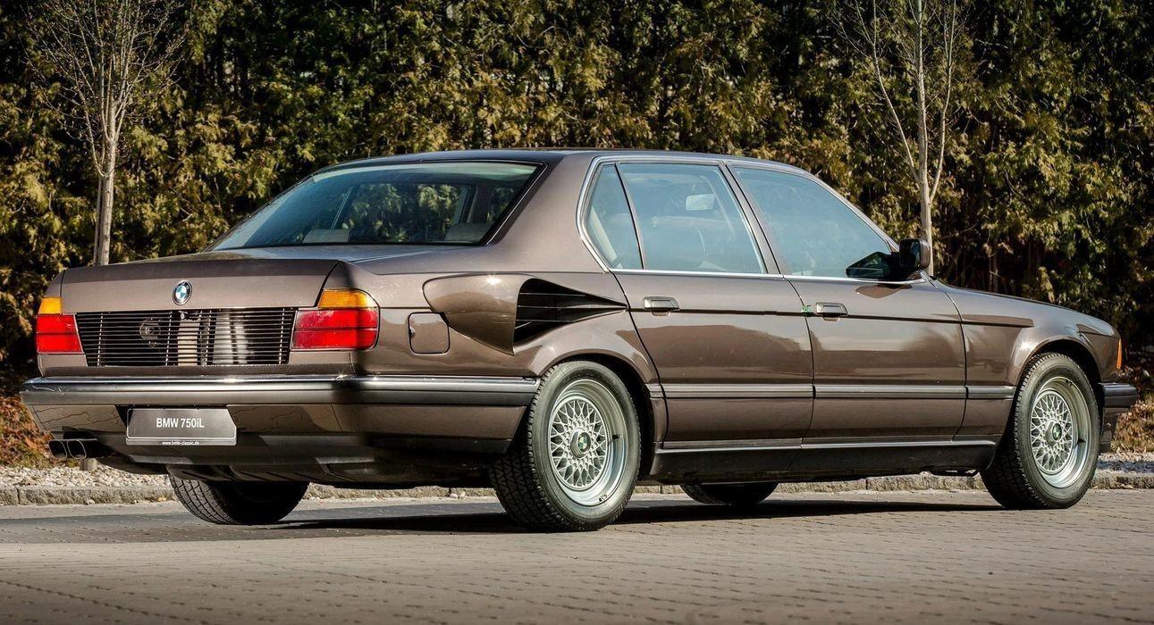 BMW 7-й серии с 16-цилиндровым двигателем