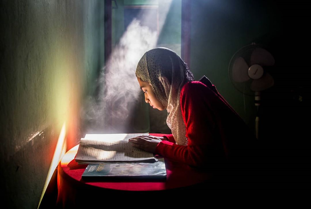 Атмосферные портреты и социальные снимки от Моу Айши