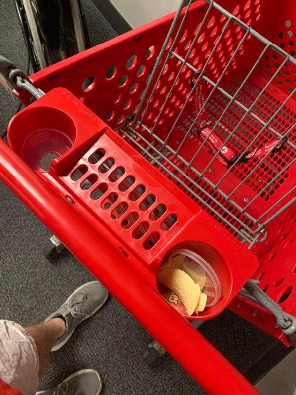 Немного снимков о свинском поведении в магазинах