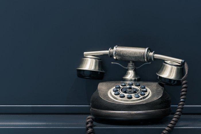 Как слово Алло стало телефонным приветствием