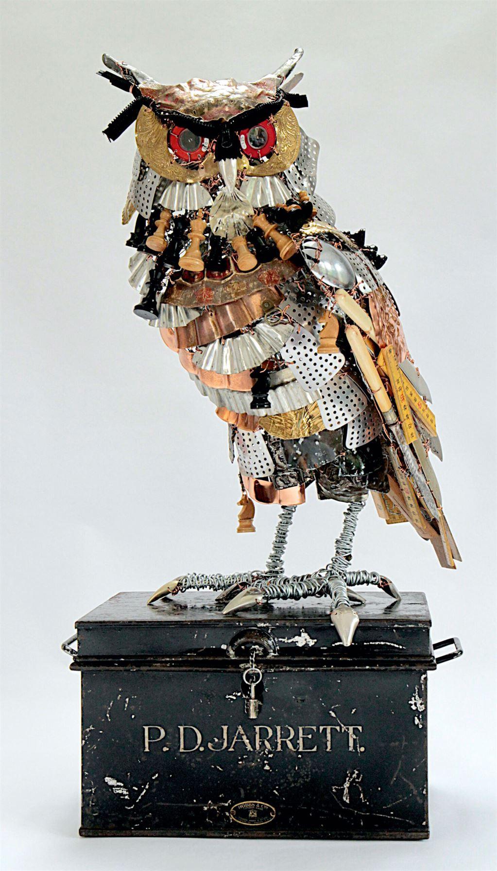 Металлические скульптуры животных из отслуживших материалов