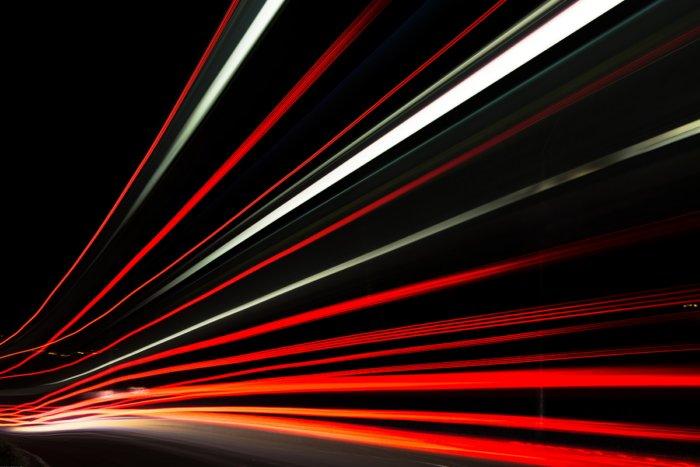 Что увидит человек, летящий со скоростью света