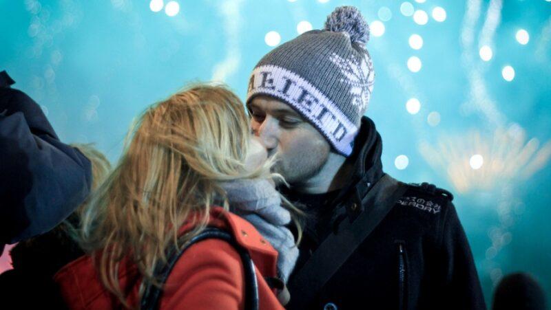 Удивительные традиции поцелуев из разных стран мира