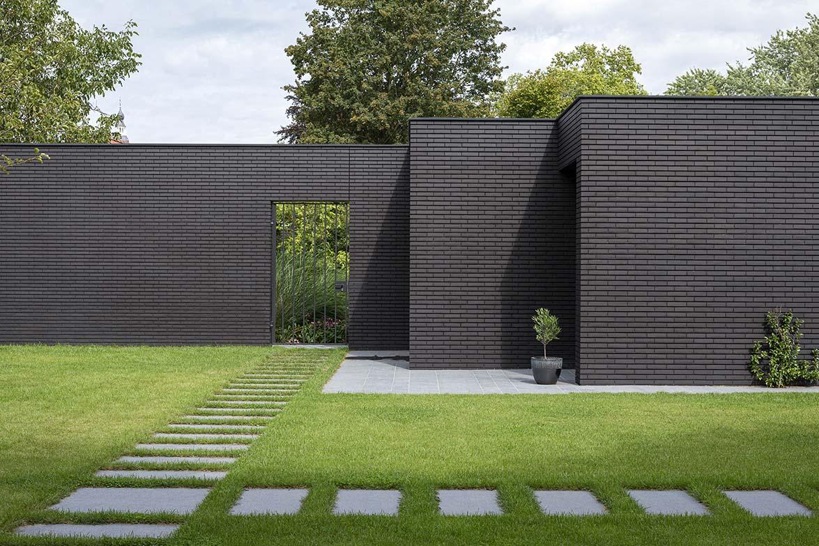 Вилла с двориком и бассейном в Нидерландах