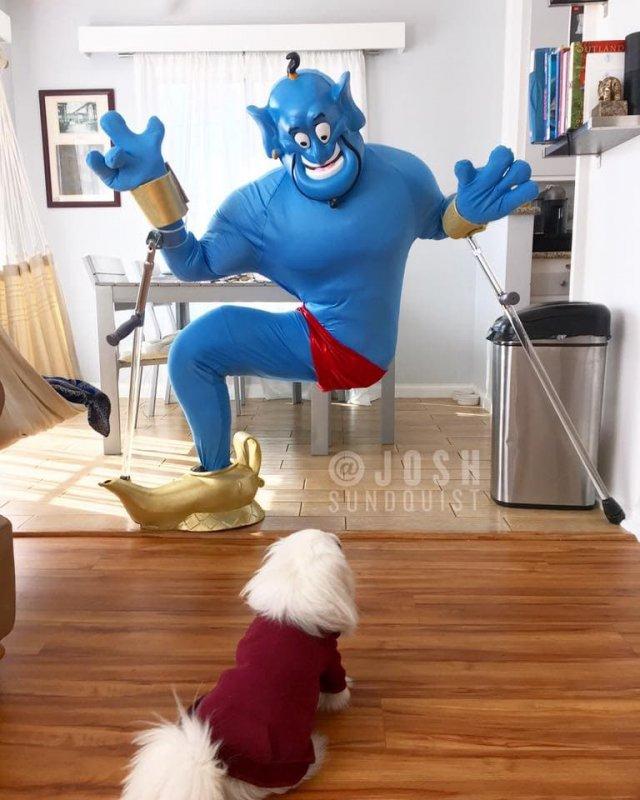 Парень с одной ногой делает шикарные костюмы на Хэллоуин