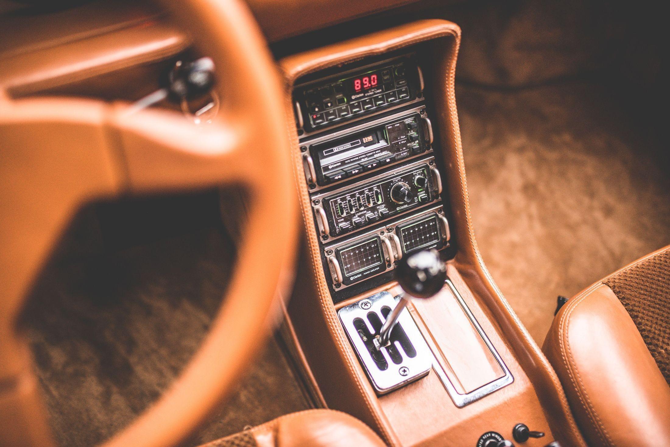 Уникальный хот-хэтч Sbarro Super Eight со средним расположением двигателя