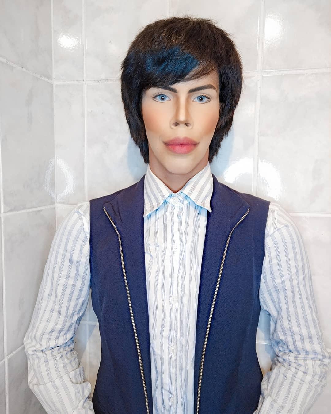 17-летний парень из Бразилии перевоплощается в кукольного Кена