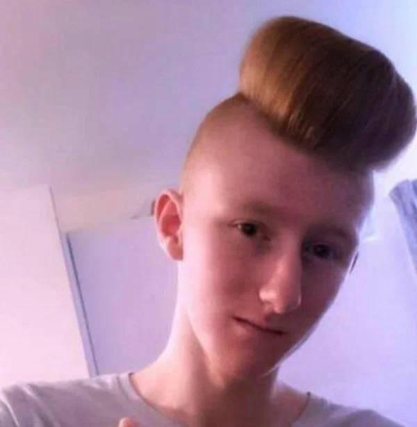 Этим людям точно нужно сменить парикмахера