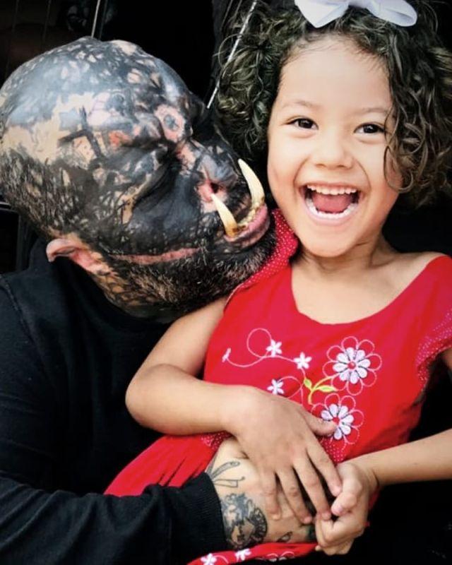 41-летний бразилец превратил себя в орка
