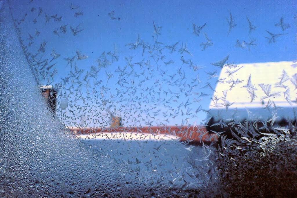 Искусство морозных узоров на стекле