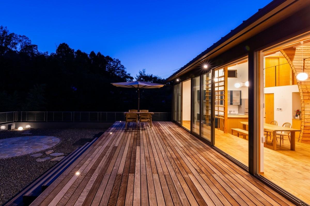 Семейный дом с нетипичным интерьером в Японии