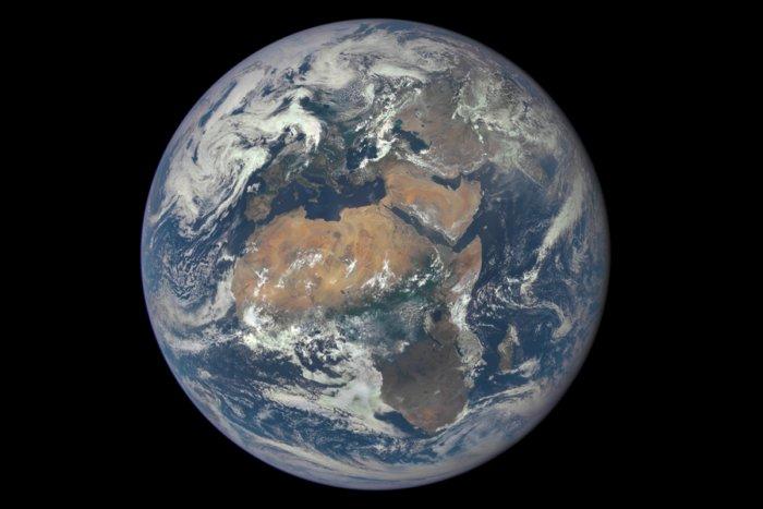 Как ученые определили массу Земли и других планет?
