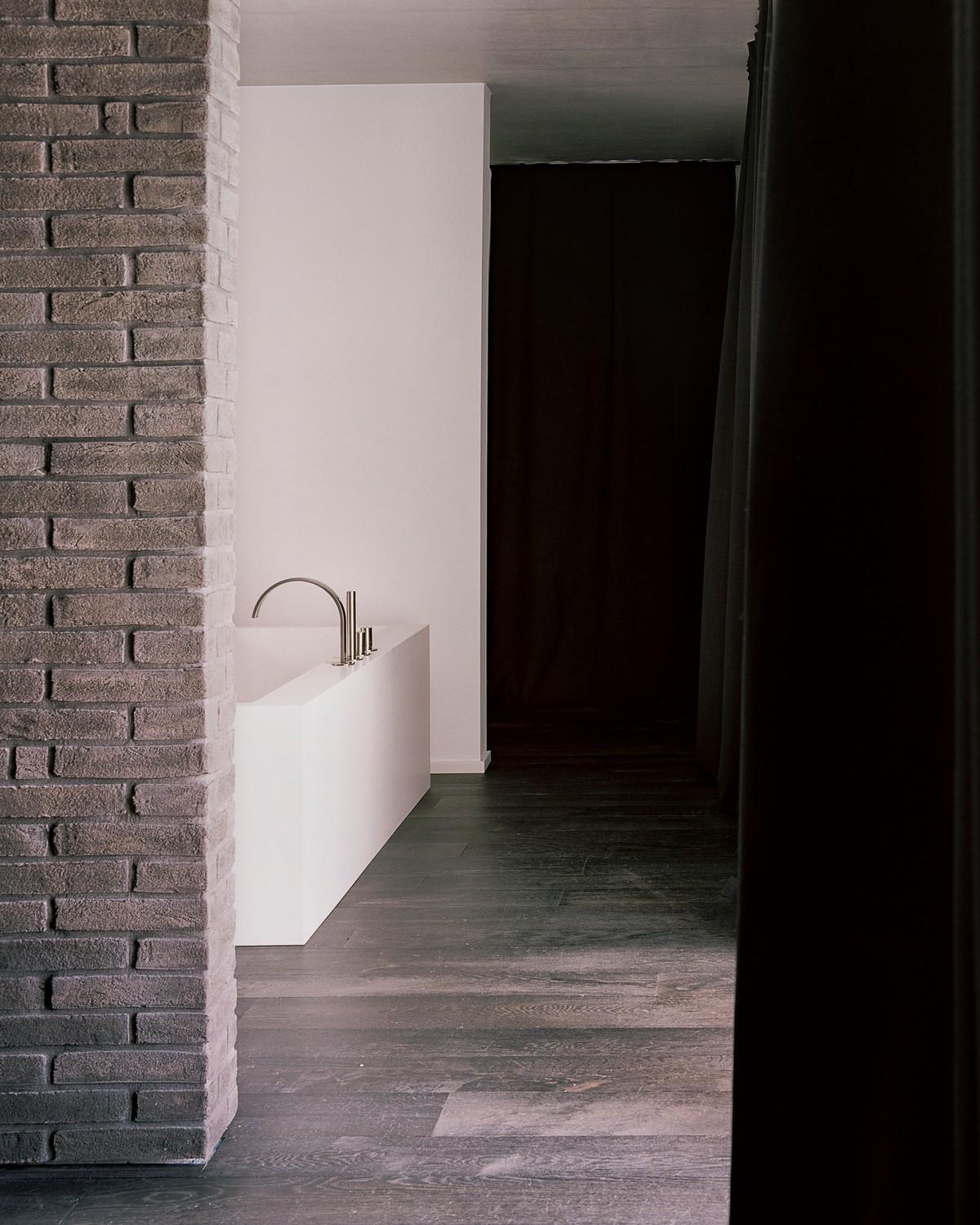 Кубический современный дом в Италии