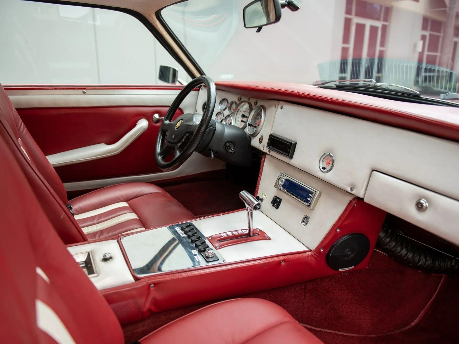 Неведомый спорт-универсал Intermeccanica Murena 429 GT 1969