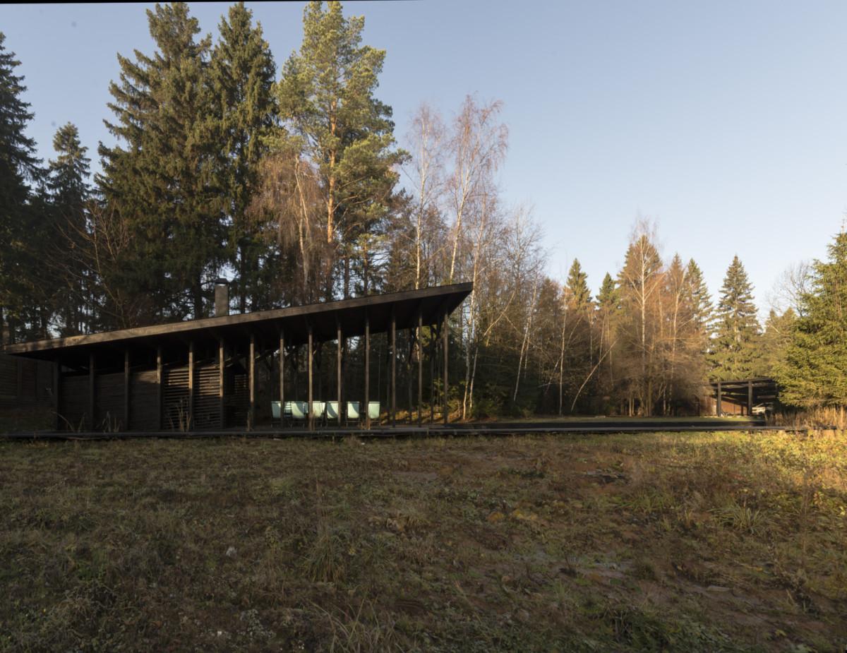 Двухэтажный загородный коттедж в Подмосковье