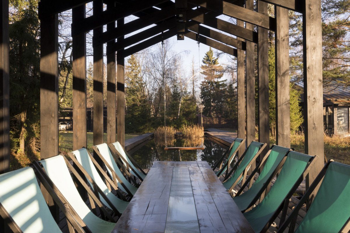 Двухэтажный загородный коттедж в Подмосковье Картинки и фото