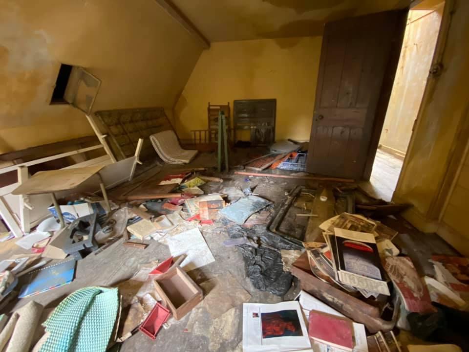 Заброшенный особняк, который оставлен около 30 лет назад