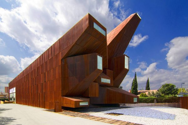 Архитектурные сооружения, которые являются не тем, чем кажутся