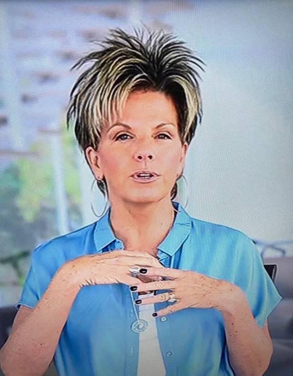 Этим людям срочно нужно сменить парикмахера