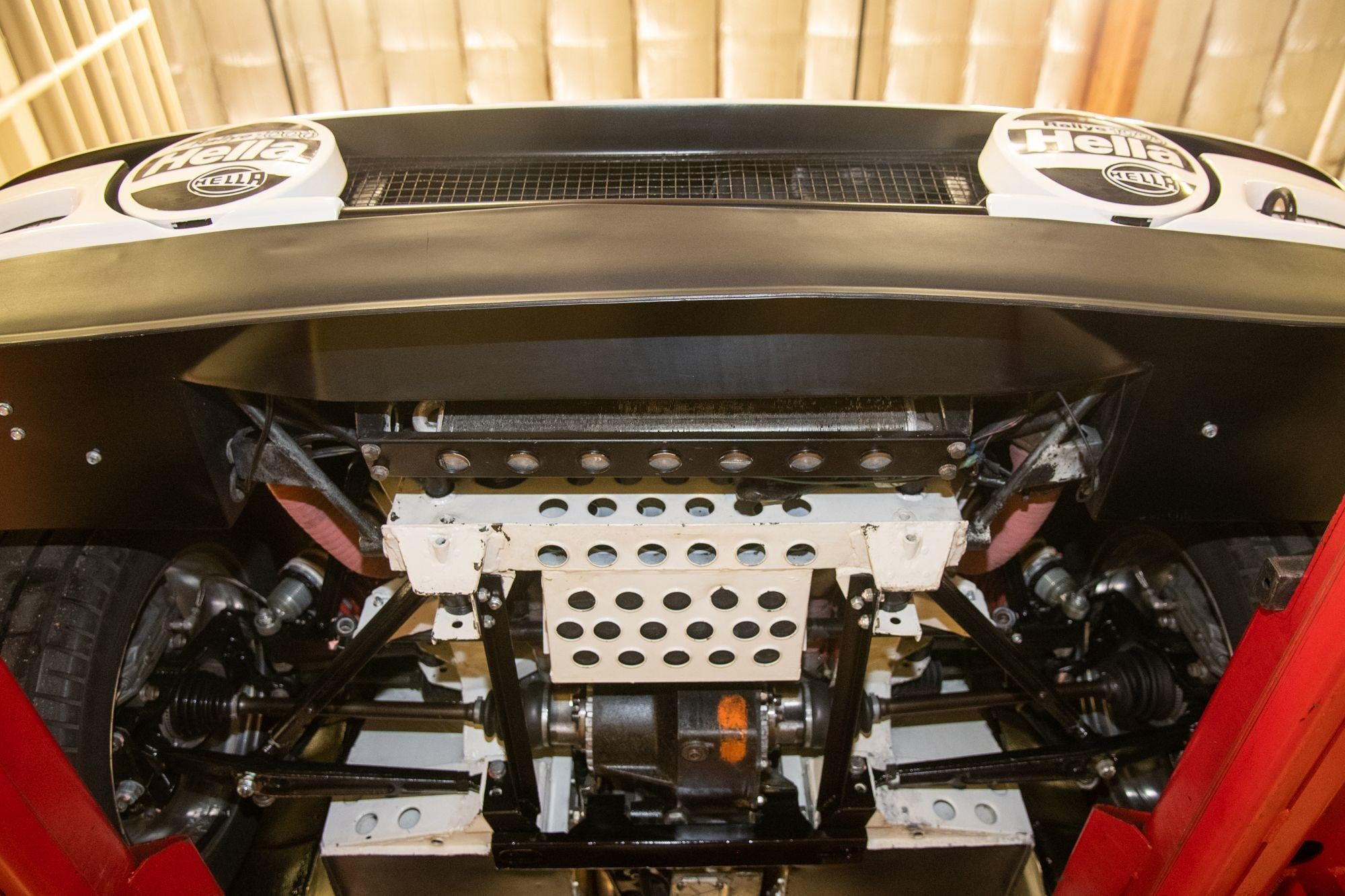 Ультра-редкий гоночный Ford RS200 Evolution из 1980-х