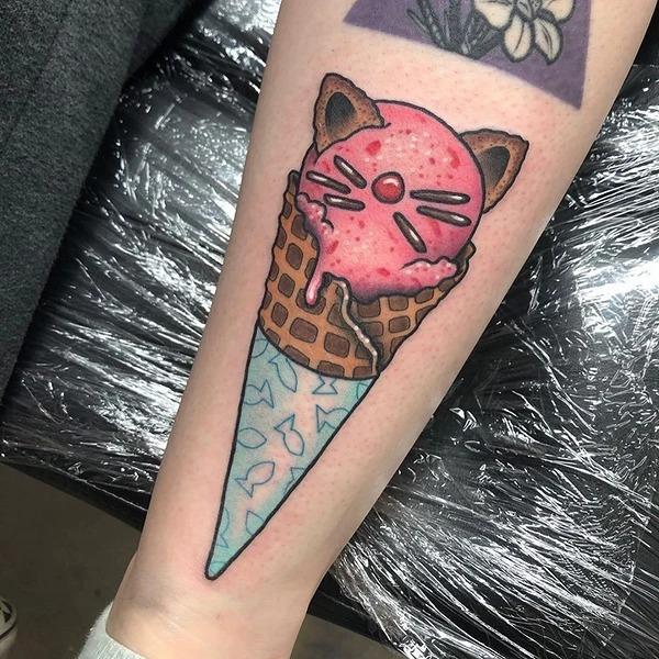 Немного ярких татуировок, посвященных мороженому