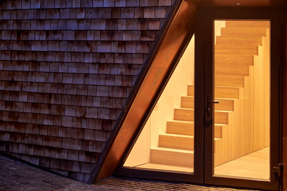 Современный кедровый дом с амбаром в Литве Картинки и фото