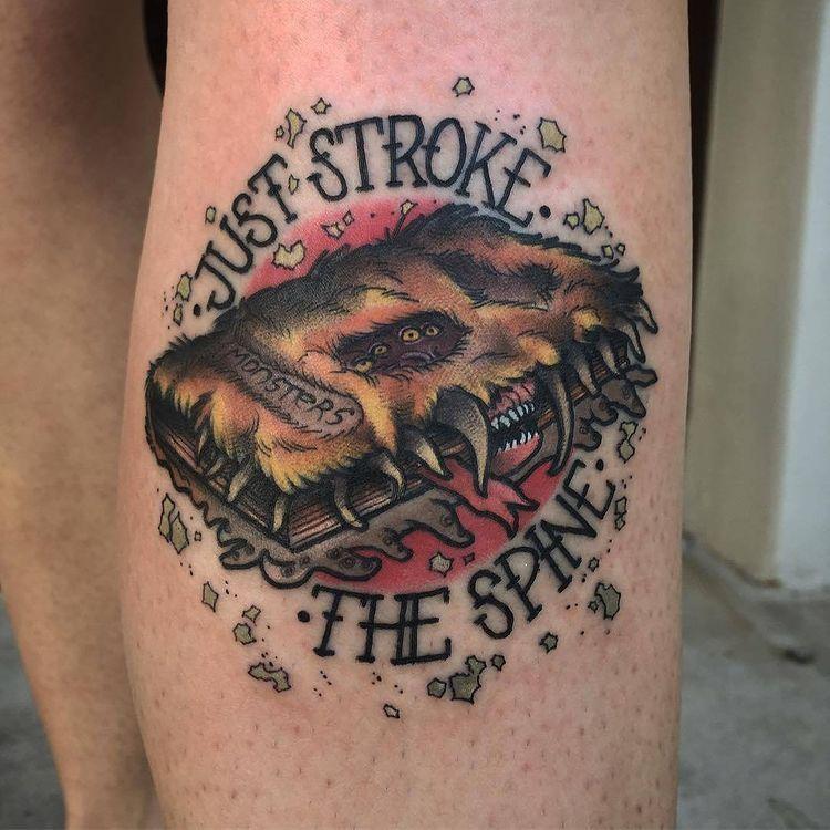 Волшебные татуировки на тему колдовства и магии