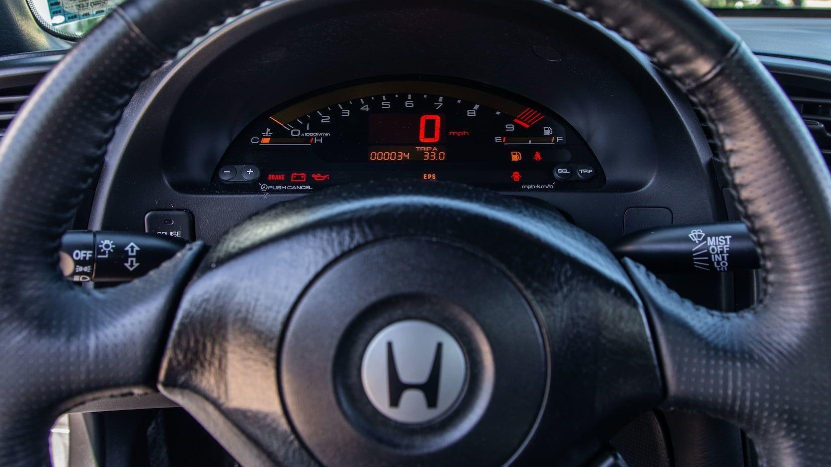 Новая Honda S2000 с минимальным пробегом
