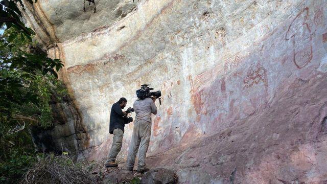В Колумбии нашли 13-километровую стену из древних рисунков