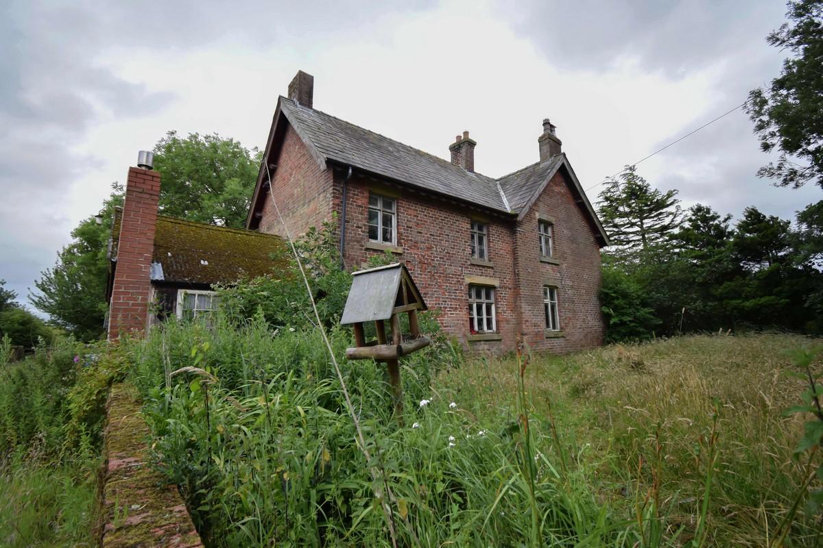 Заброшенный фермерский дом, который покинули почти 70 лет назад