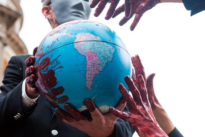 Сколько может стоить целая планета Земля?