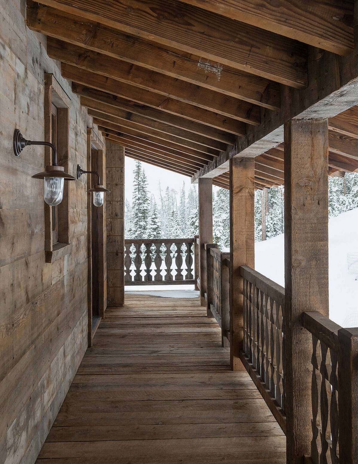 Традиционное загородное шале в штате Монтана Картинки и фото
