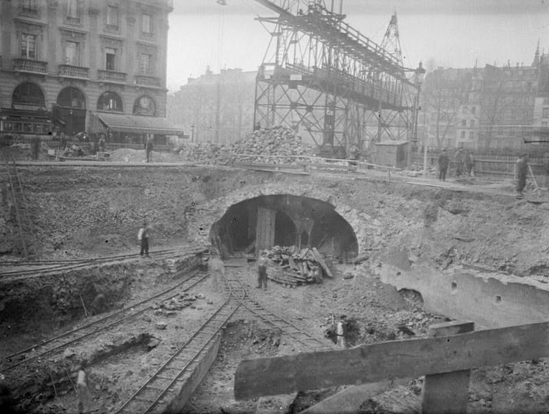 Интересные истории и секреты старейших метрополитенов мира