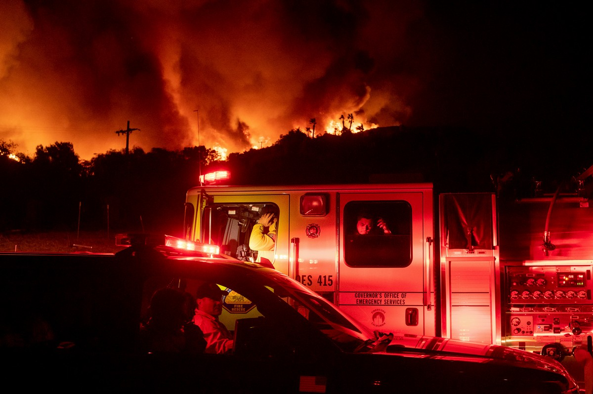 Пожар в каньоне Сильверадо в Калифорнии