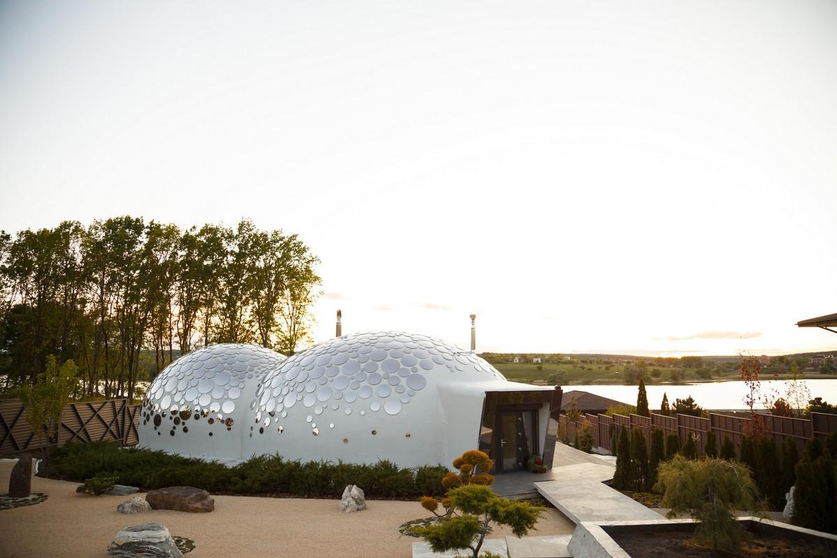 Необычный дом-пузырь Baan Bubble House в Украине