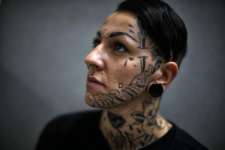 Причины, по которым не стоит делать татуировки на лице