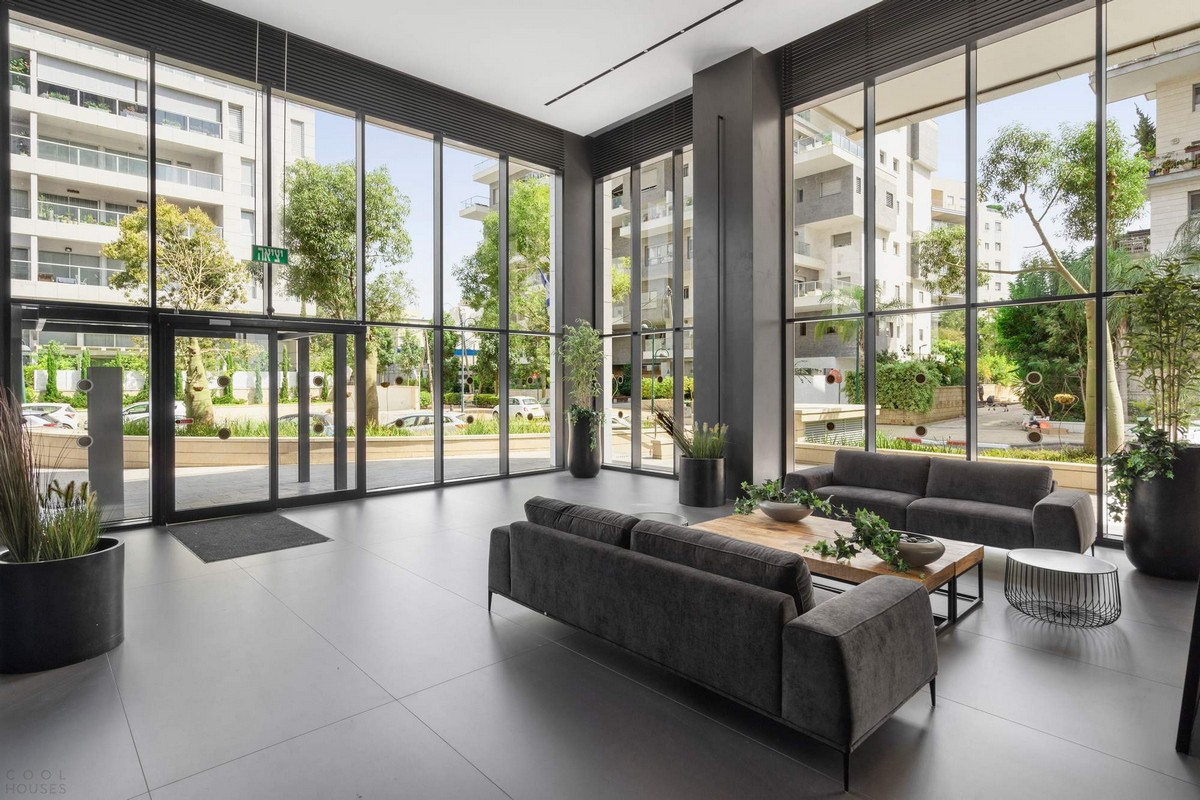Вращающийся многоквартирный жилой дом в Израиле