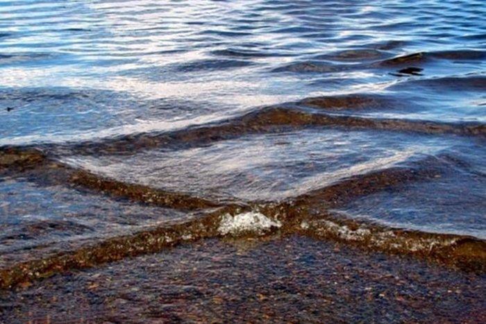 Чем опасны квадратные волны и как они появляются