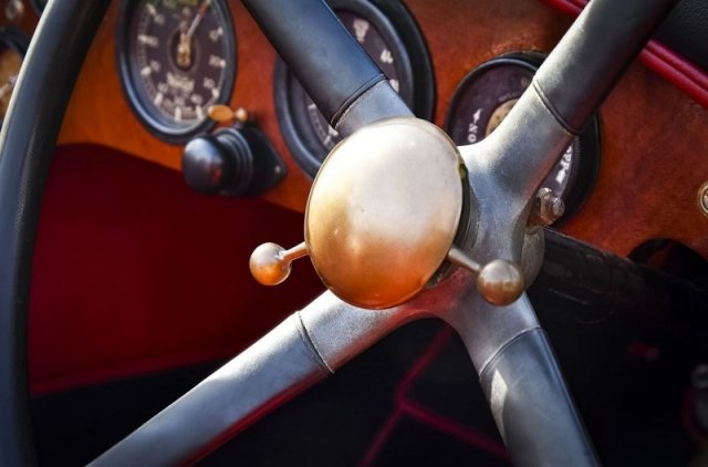 Отреставрированный Bentley, которому больше 100 лет