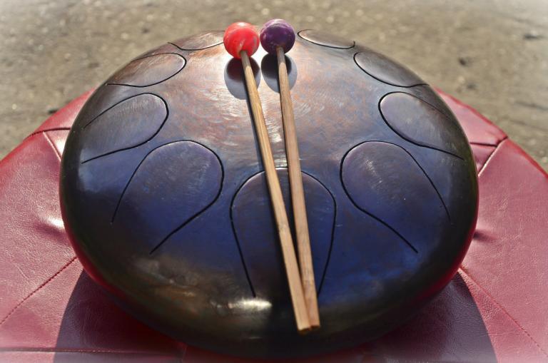 Некоторые странные, но интересные музыкальные инструменты со всего мира