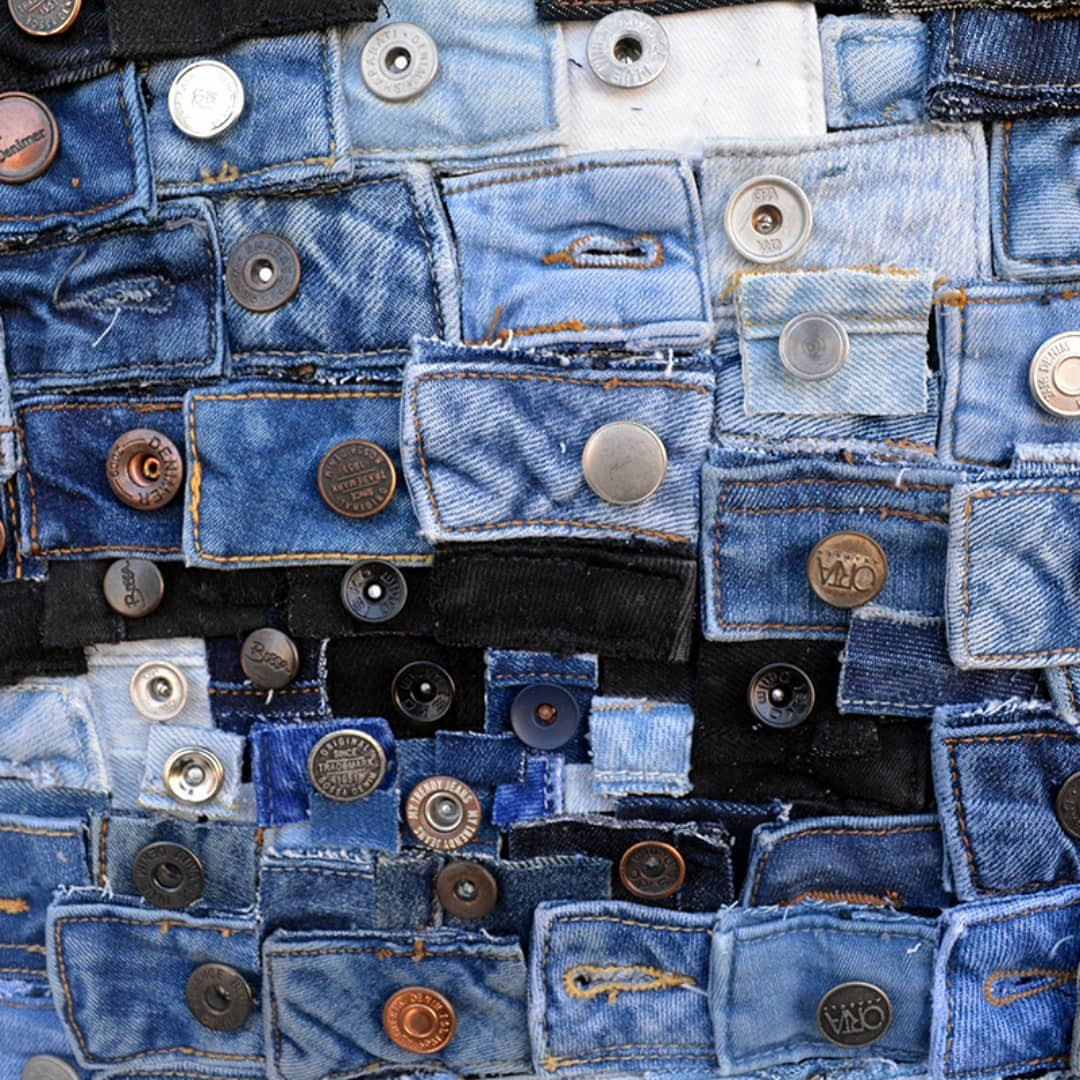 Удивительные детализированные портреты из кусочков джинсовой ткани