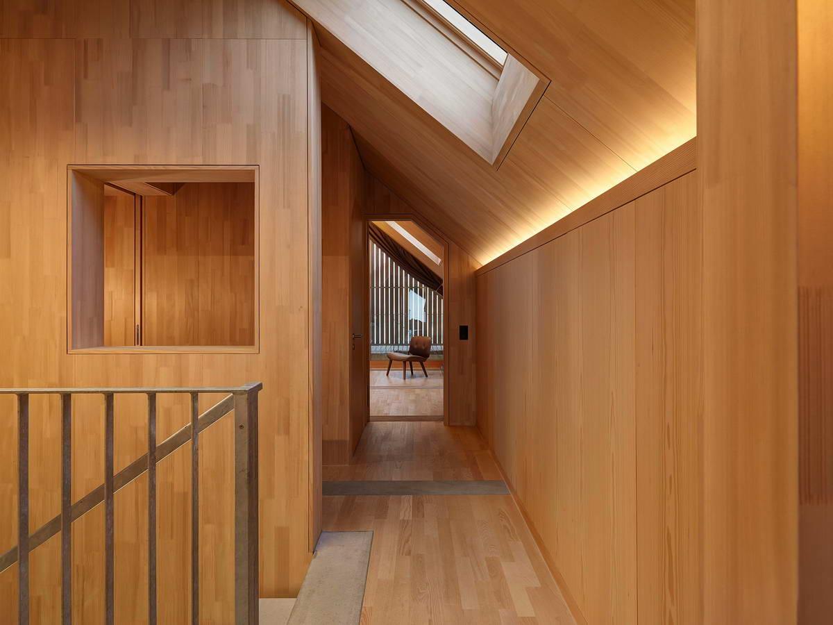 Дом из бетона и дерева в Швейцарии