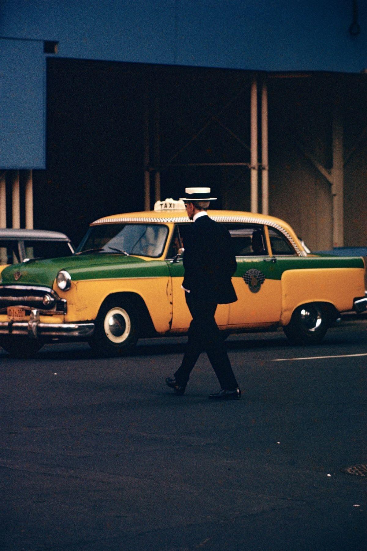Магия обыденности от пионера цветной уличной фотографии Сола Лейтера