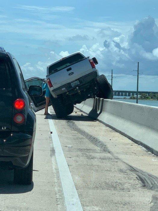 С такими автомобилистами лучше не встречаться на дороге