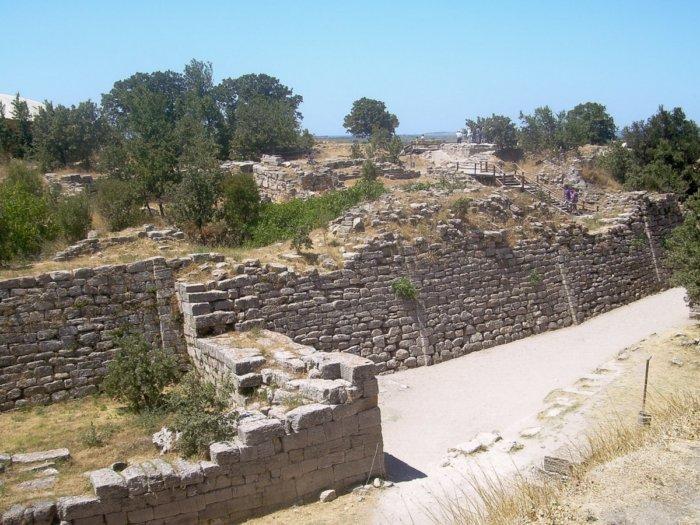 Кем были предки римлян и кем они считали сами себя?