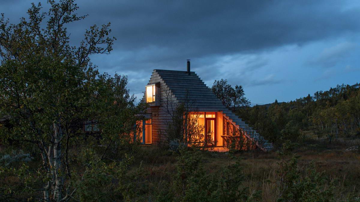 Необычный деревянный дачный дом в Норвегии Картинки и фото